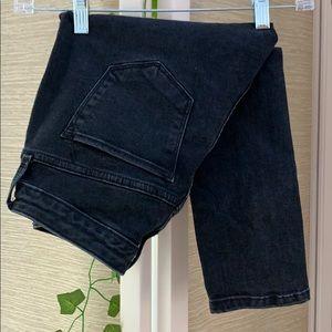 Women's Size 0 Curvy Skinny Black Denim Jeans